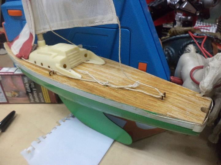 Radio Control: Velero balandro navegable de Esteban Giner - Denia.Años 50 o 60.Madera y metal. - Foto 3 - 109445943