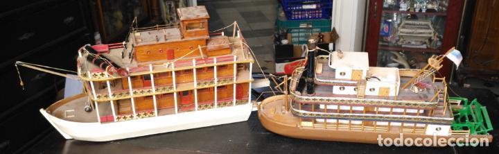 2 GRANDES MAQUETAS BARCOS CON LUZ DE VAPOR MISSISSIPPI MISISIPI . A RESTAURAR , HAGA OFERTA (Juguetes - Modelismo y Radiocontrol - Radiocontrol - Barcos)