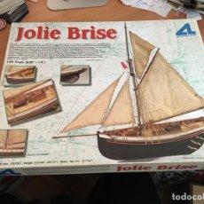 Radio Control: JOLIE BRISE SCALE 1:50 ARTESANIA LATINA (J-3). Lote 189284492