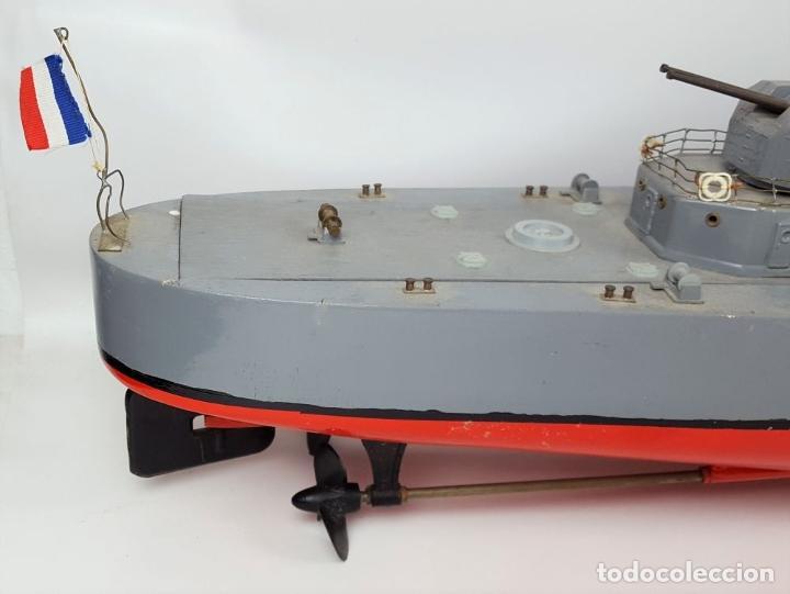 Radio Control: MAQUETA DE RADIO CONTROL. DESTRUCTOR FRANCÉS. MADERA Y RESINA PINTADA A MANO. ESPAÑA. SIGLO XX. - Foto 31 - 169984128