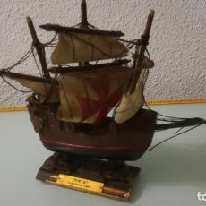 Radio Control: PEQUEÑO BARCO MADERA PINTA CARABELA 1492. Lote 197180835