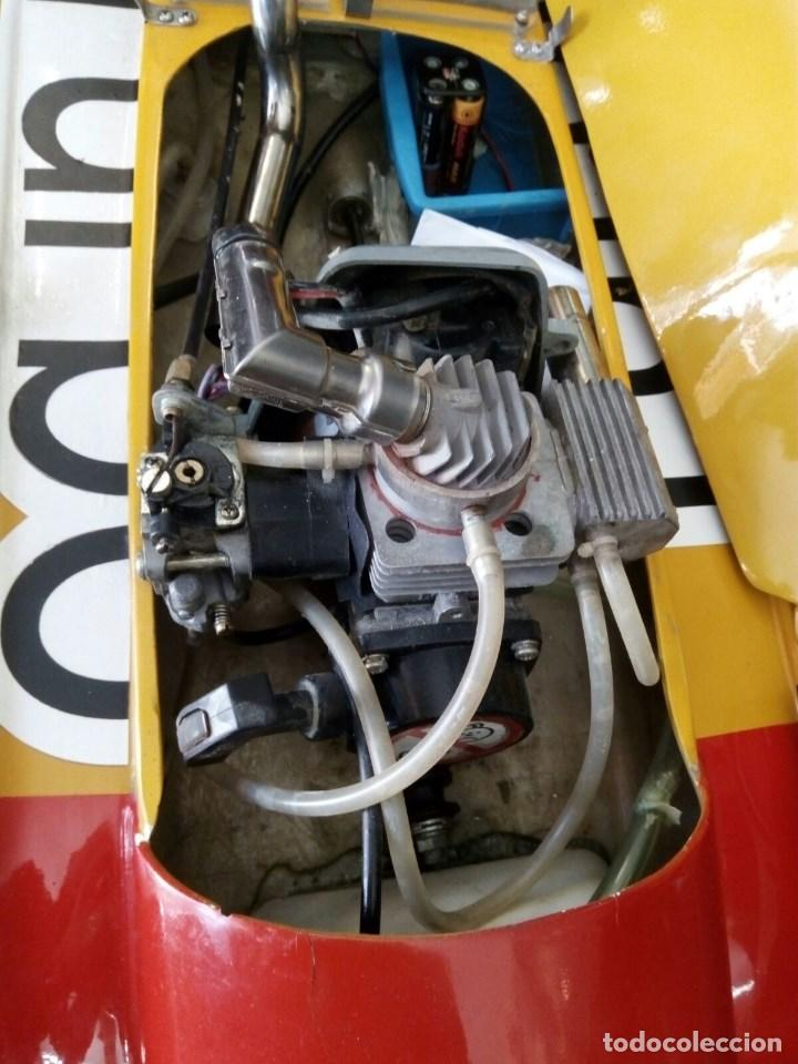 Radio Control: LANCHA R/C..Turbo.125 x 62 centimetros. Gran tamaño. ( OJO ).Motor gasolina de 56 cm3.Competicion. - Foto 6 - 208857055