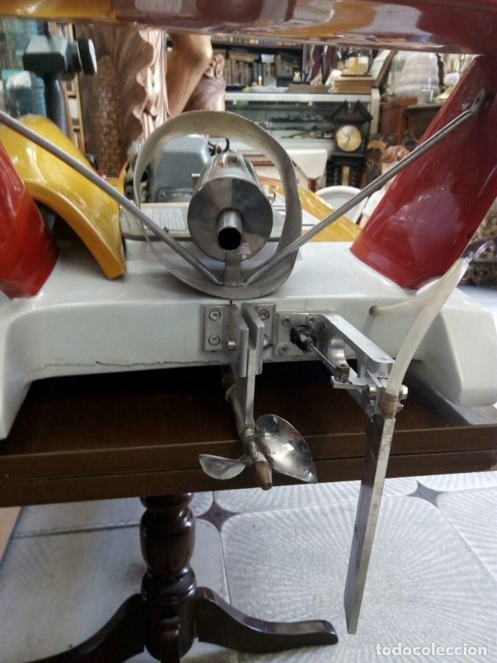 Radio Control: LANCHA R/C..Turbo.125 x 62 centimetros. Gran tamaño. ( OJO ).Motor gasolina de 56 cm3.Competicion. - Foto 8 - 208857055