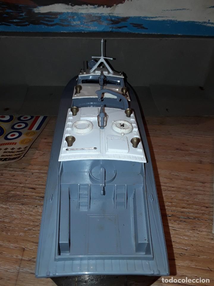 Radio Control: Lancha R.A.F. Twin Screw Crash Tender años 60, G & R, England, funcionando. - Foto 9 - 222487496