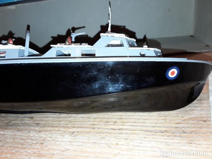 Radio Control: Lancha R.A.F. Twin Screw Crash Tender años 60, G & R, England, funcionando. - Foto 11 - 222487496