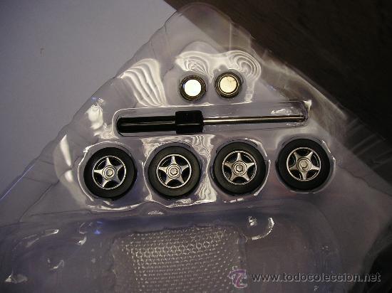 Radio Control: Ruedas del chasis opcional, destornillador y pilas del reloj/mando distancia. - Foto 18 - 27336887
