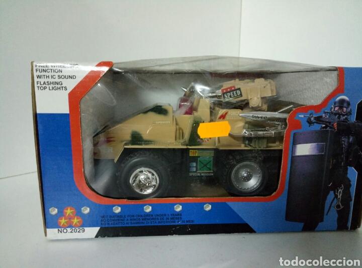Radio Control: VEHICULO LANZA MISILES CON LUZ ARMOURED CAR MEDIDAS 25X12CMS - Foto 3 - 107574342