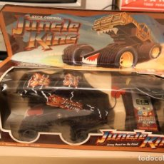 Radio Control: JUGUETE COCHE VINTAGE CONTROL REMOTO STICK. SUPER 8 WAYS, CRAZY BEST ON THE ROAD. Lote 147674094