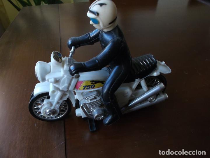 Radio Control: moto con motorista marca Geyper años 70 fuciona con pilas - Foto 2 - 148733166