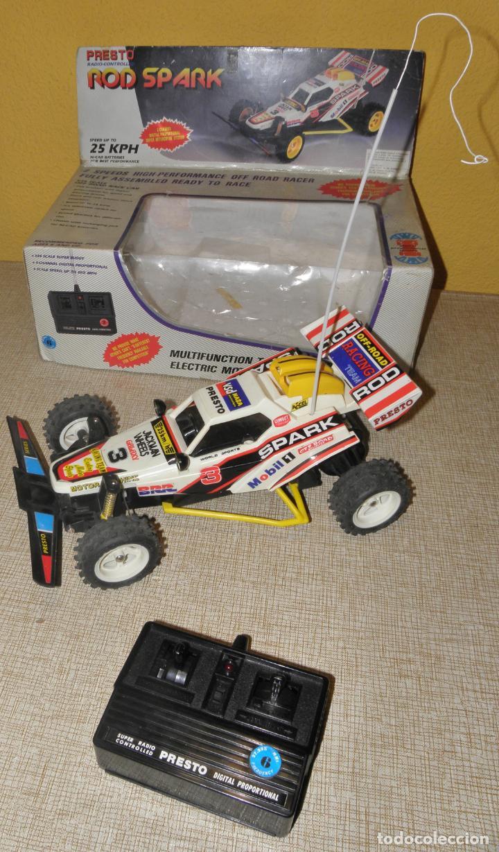 Radio Control: VINTAGE 80s RADIO REMOTE CONTROL ROD SPARK OFF-ROAD BUGGY CAR NEW IN BOX -NO FUNCIONA- TR 832 PRESTO - Foto 2 - 162970400
