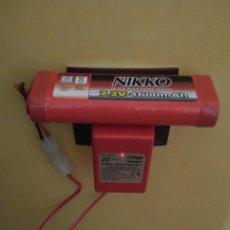 Radio Control: CARGADOR DE BATERÍA NIKKO 9 V CON BATERÍA 7.2V-1600MAH. Lote 176294199