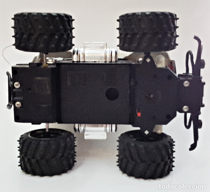 Radio Control: Coche radiocontrolado, sin bateria y sin mando. - Foto 5 - 177423622