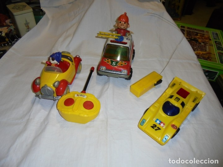 2 COCHES TELEDIRIGIDOS Y UNO A FRICCION.COCHE NODDY.COCHE A FRICCION BOMBEROS OBERTOIS,COCHE CARRERA (Juguetes - Modelismo y Radiocontrol - Radiocontrol - Coches y Motos)