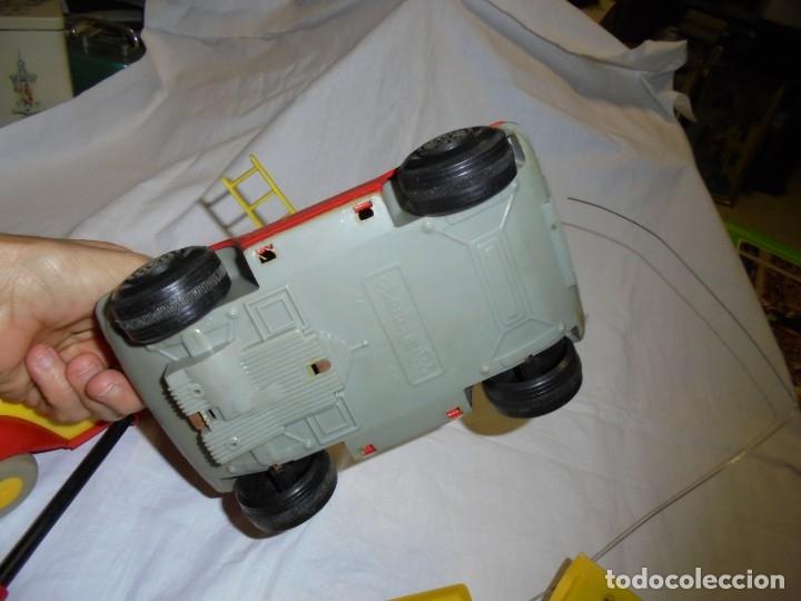 Radio Control: 2 COCHES TELEDIRIGIDOS Y UNO A FRICCION.COCHE NODDY.COCHE A FRICCION BOMBEROS OBERTOIS,COCHE CARRERA - Foto 22 - 183173192