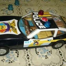 Radio Control: COCHE POLICIA ANTIGUO A PILAS. Lote 183597241