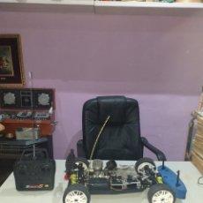 Radio Control: ANTIGUO COCHE RADIO CONTROL GASOLINA CON MANDO - VER LAS FOTOS. Lote 194354631