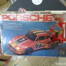Radio Control: DIGITAL PROPORTIONAL RADIO PORSCHE 935 MADE IN HONG KONG AÑO 1981. Lote 198861087