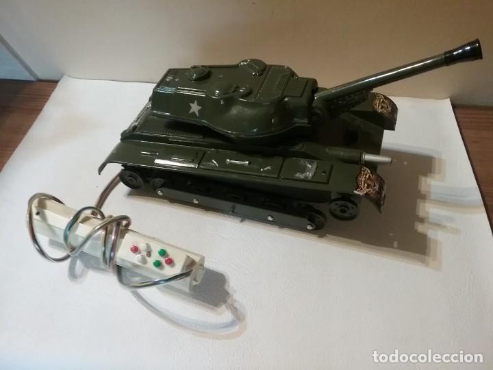 Radio Control: Precioso y antiguo carro de combate tanque de RC años 70 funcionando a la perfeccion. - Foto 3 - 204128433