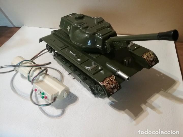 Radio Control: Precioso y antiguo carro de combate tanque de RC años 70 funcionando a la perfeccion. - Foto 4 - 204128433