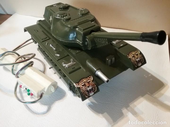 Radio Control: Precioso y antiguo carro de combate tanque de RC años 70 funcionando a la perfeccion. - Foto 5 - 204128433
