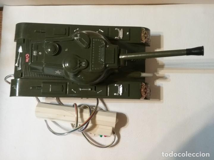 Radio Control: Precioso y antiguo carro de combate tanque de RC años 70 funcionando a la perfeccion. - Foto 7 - 204128433
