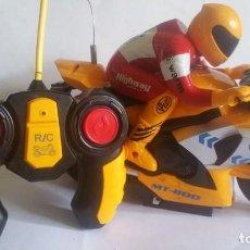 Radio Control: MOTO DE RADIO CONTROL, A PILAS / FUNCIONANDO / MUY NUEVA. Lote 205803997