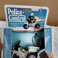 Rádio Controlo: ANTIGUA MOTO DE POLICIA RADIO CONTROL TELEDIRIGIDO AÑOS 80 MARCA SIMBA. Lote 219129518