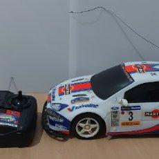 Radio Control: GRAN COCHE RADIO CONTROL DE 43 CMS. (ESCALA 1:10) FORD FOCUS WRC DE MRC CON BATERÍA. Lote 258752200