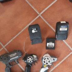 Radio Control: MANDOS Y CARGADORES BATERÍAS RADICONTROL. Lote 275592173