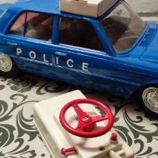 Rádio Controlo: COCHE DE POLICÍA RICO COLOR AZUL. Lote 290016533