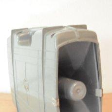 Radios antiguas: MEGAFONO AMPLIFICADOR A PILAS CON MICROFONO. Lote 28446730