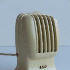 Radios antiguas: MICRÓFONO DE MESA DE METAL LACADO AEG, ALEMANIA 1950- 1955. Lote 61942788