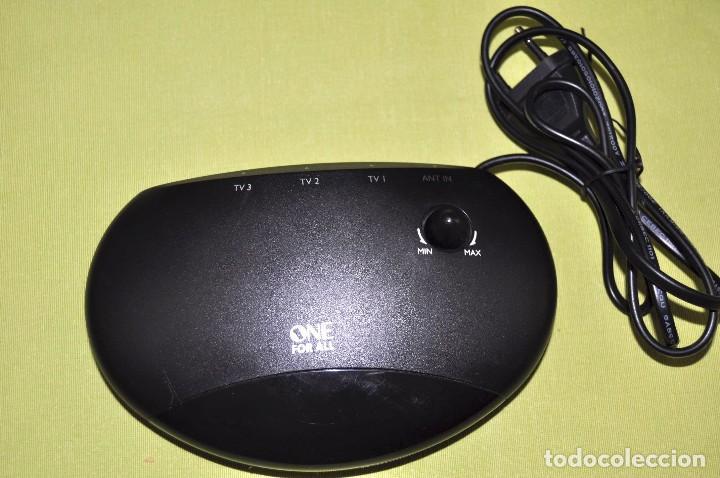 Radios antiguas: Amplificador señal antena TV, One For All, 3 salidas. - Foto 2 - 69742653