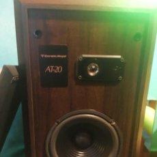 Radios antiguas: PAREJA ALTAVOCES AMERICANO CERWIN VEGA MODELO AT-20. Lote 177434097