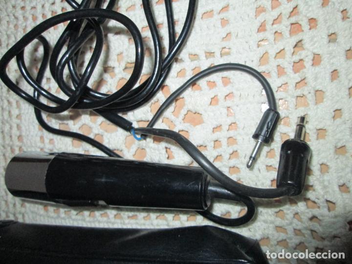 Radios antiguas: Lote de 2 antiguos micrófonos, de diferentes conexiones. - Foto 3 - 187613211
