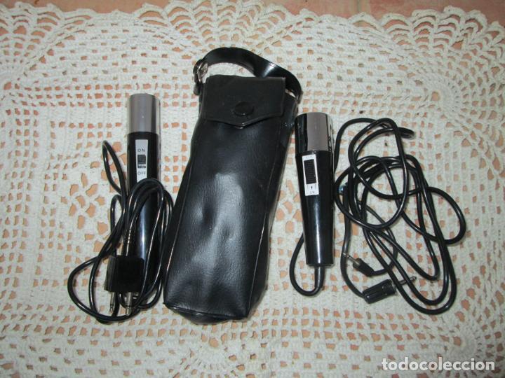 LOTE DE 2 ANTIGUOS MICRÓFONOS, DE DIFERENTES CONEXIONES. (Radios, Gramófonos, Grabadoras y Otros - Amplificadores y Micrófonos de Válvulas)