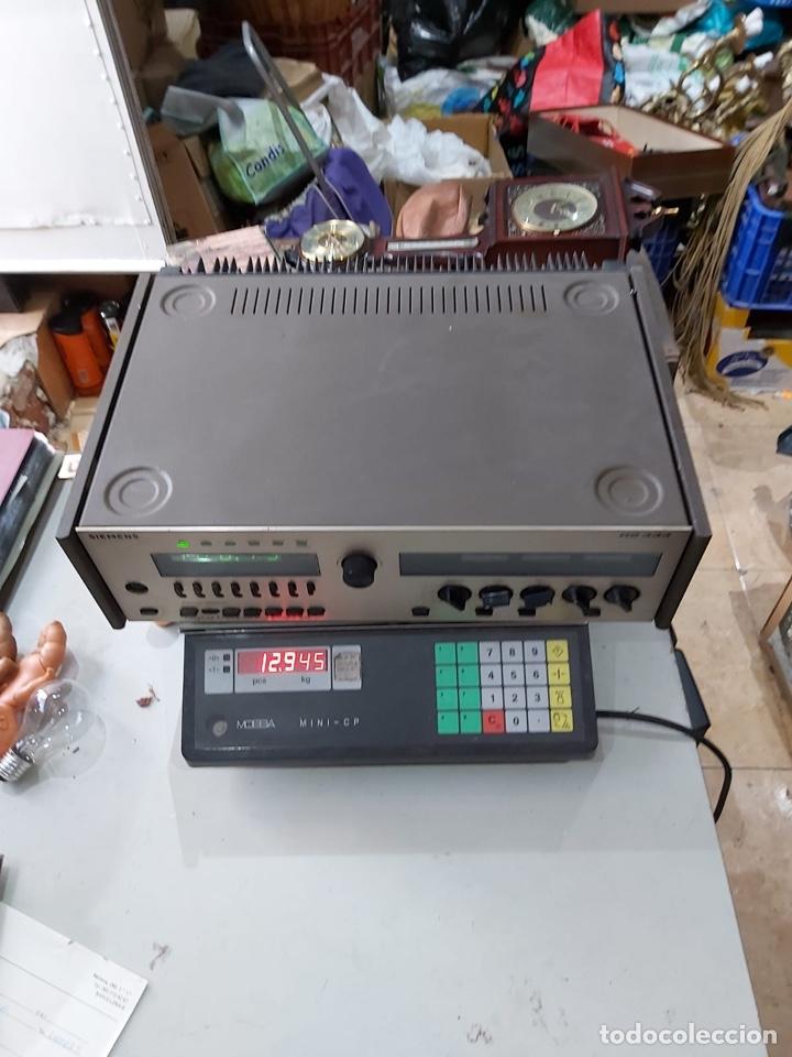 Radios antiguas: AMPLIFICADOR-SINTONIZADOR SIEMENS RS 555 ....MUY RARO . Funciona. Ver el peso y las medidas en fotos - Foto 4 - 219917508
