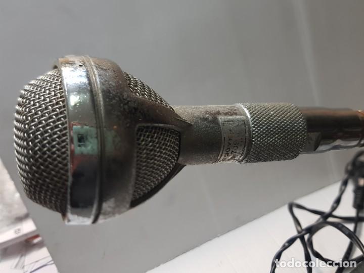 Radios antiguas: Microfono antiguo de Mesa Bouver totalmente metálico muy difícil - Foto 3 - 231034395
