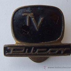 Radios antiguas: INSIGNIA ANTIGUA PILCOR TV. Lote 27021664