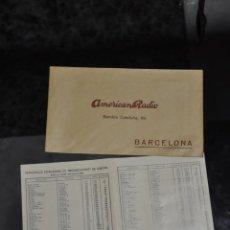 Radios antiguas: SOBRE CON FOLLETO RADIO AMERICAN RADIO , BARCELONA , LISTA DE ESTACIONES DE ONDA . Lote 81629572