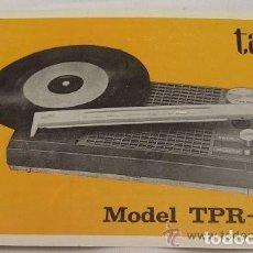 Radios antiguas: RADIO TOCADISCOS TAKT MODEL TPR - 71 - MANUAL DE INSTRUCCIONES - SUMAMENTE RARO. Lote 83726632