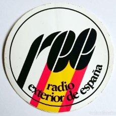 Radios antiguas: PEGATINA RADIO EXTERIOR DE ESPAÑA CON BANDERA ESPAÑOLA. Lote 96801011