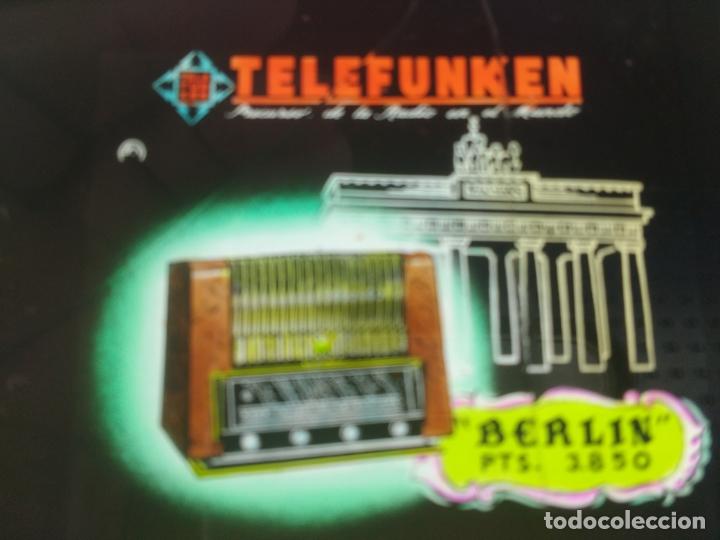 CRISTAL PUBLCIDAD MALAGA PARA PROYECTAR DESCANSOS CINES, RADIO TELEFUNKEN MODELO BERLIN, AÑOS 50, (Radios, Gramófonos, Grabadoras y Otros - Catálogos, Publicidad y Libros de Radio)