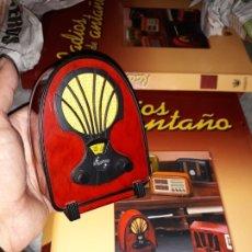 Radios antiguas: RADIO DE LA COLECCIÓN RADIOS DE ANTAÑO CON EL FASCICULO Nº 1 PHILIPS 1932. Lote 179534696