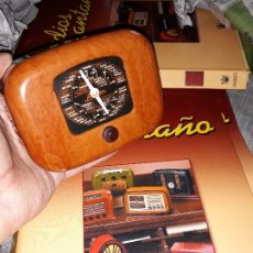 Radios antiguas: RADIO DE LA COLECCIÓN RADIOS DE ANTAÑO CON EL SU FASCICULO Nº 23, SAVIGLIANO 103-1940. Lote 180084782