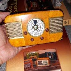 Radios antiguas: RADIO DE LA COLECCIÓN RADIOS DE ANTAÑO CON EL SU FASCICULO Nº 35, IMCA RADIO-1951. Lote 180085027