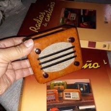Radios antiguas: RADIO DE LA COLECCIÓN RADIOS DE ANTAÑO CON EL SU FASCICULO Nº 48, UNDA 532-1941. Lote 180085835