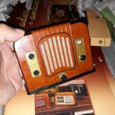 Radios antiguas: RADIO DE LA COLECCIÓN RADIOS DE ANTAÑO CON EL SU FASCICULO Nº 22, LINCOLN 60-1932. Lote 180087000