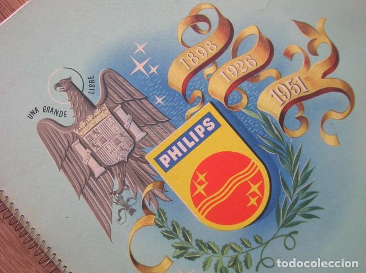 ONDAS Y ESTRELLAS PHILIPS EN ESPAÑA. ESCUDO EN PORTADA DE AGUILA DE SAN JUAN. EPOCA DE FRANCO. 1951. (Radios, Gramófonos, Grabadoras y Otros - Catálogos, Publicidad y Libros de Radio)
