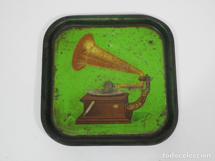 Radios antiguas: Bandeja Publicitaría - Gramófono - La Voz de Su Amo - Metal Litografiado - Foto 5 - 212987348